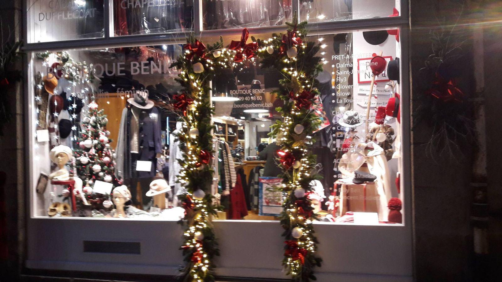 Image Vitrine Noel.Vitrine De Noel Boutique Benic Saint Malo Intra Muros
