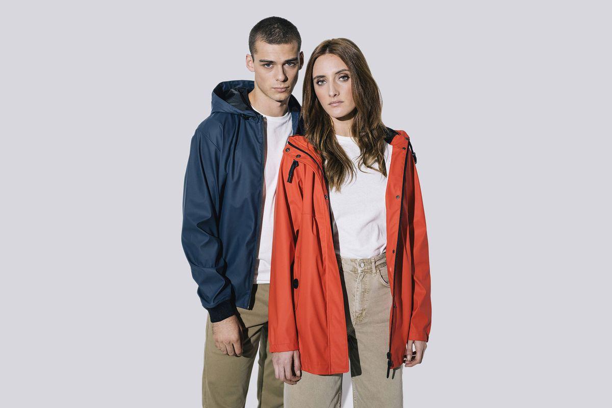 Tantä Rainwear veste de pluie bleue navy ou rouge